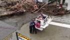 Se necesitaron 5 rescatistas para salvarla de inundación