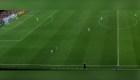 Un niño de dos años invade una cancha de fútbol