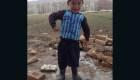 """El niño """"Messi"""" afgano pide ayuda para salir de Kabul"""
