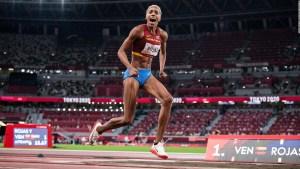 La atleta Yulimar Rojas regresa triunfante a Venezuela