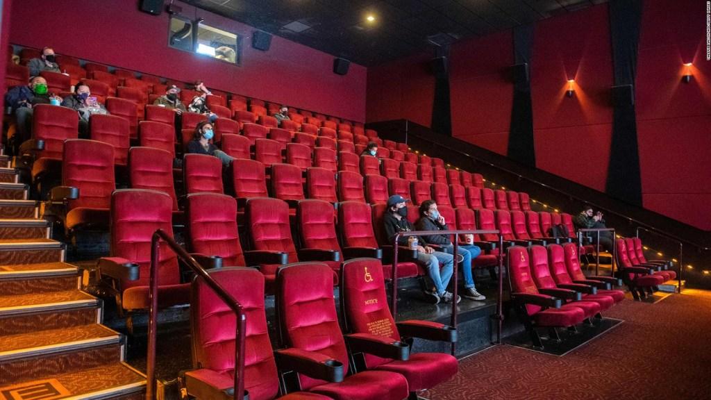 Disney opta por estrenar sus películas solo en cines