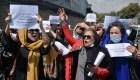Mujeres marchan contra los talibanes en Afganistán