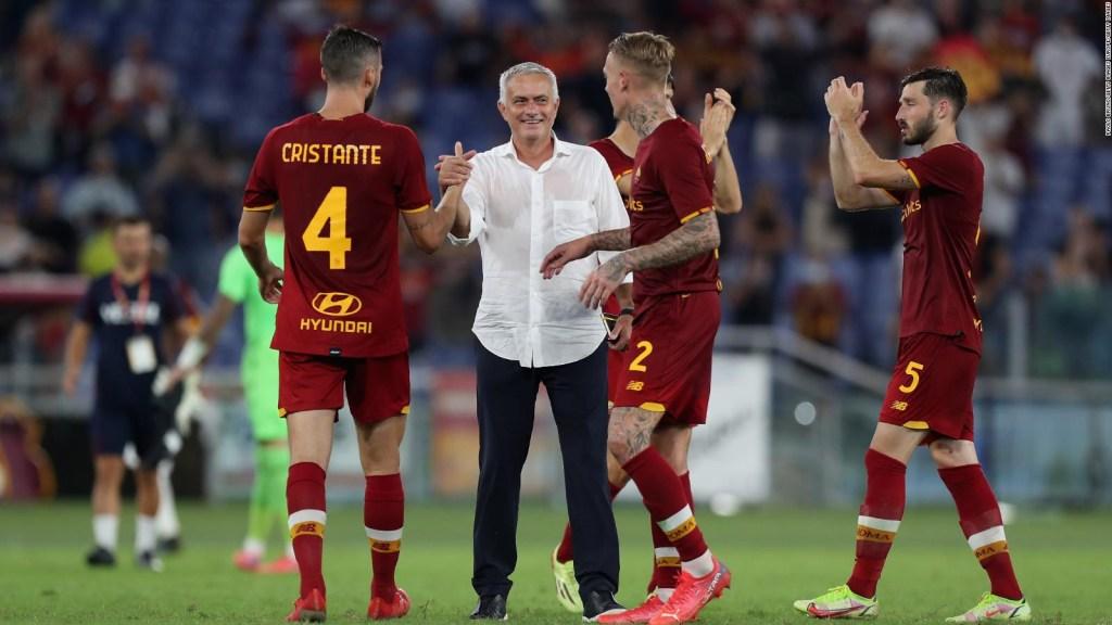 Nuevo show de José Mourinho en el banquillo