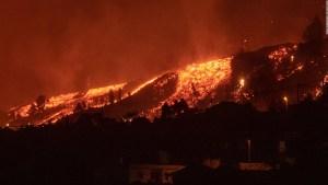 La lava del volcán de La Palma destruye casas