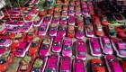 Transforman los taxis en desuso en minihuertos