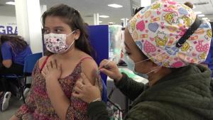 El Salvador vacuna a población de entre 6 y 11 años