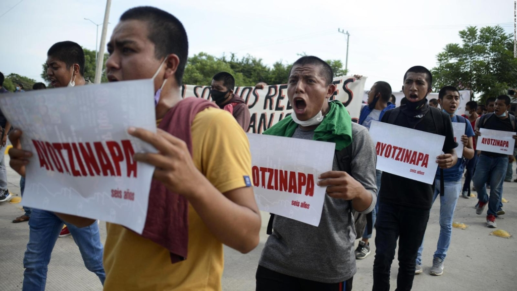 """Centro Prodh: Sin sustento, """"verdad histórica"""" de Ayotzinapa"""