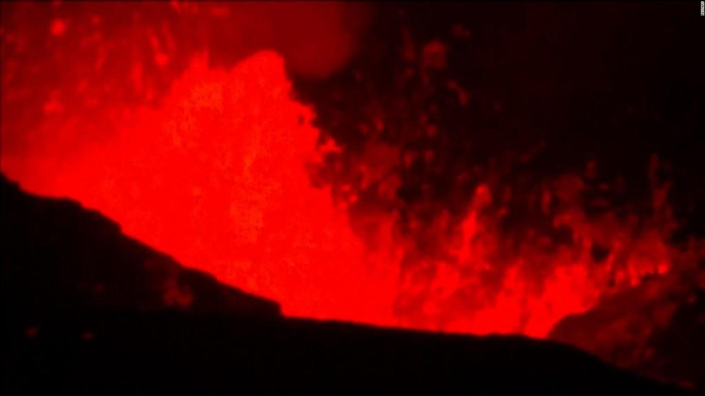 Así burbujea la lava del volcán Cumbre Vieja