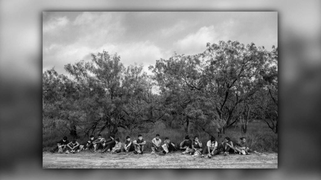 """""""Éxodo"""", el retrato y la narrativa de la migración"""