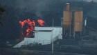 Incendio en cementera obliga a confinar a 2.500 personas