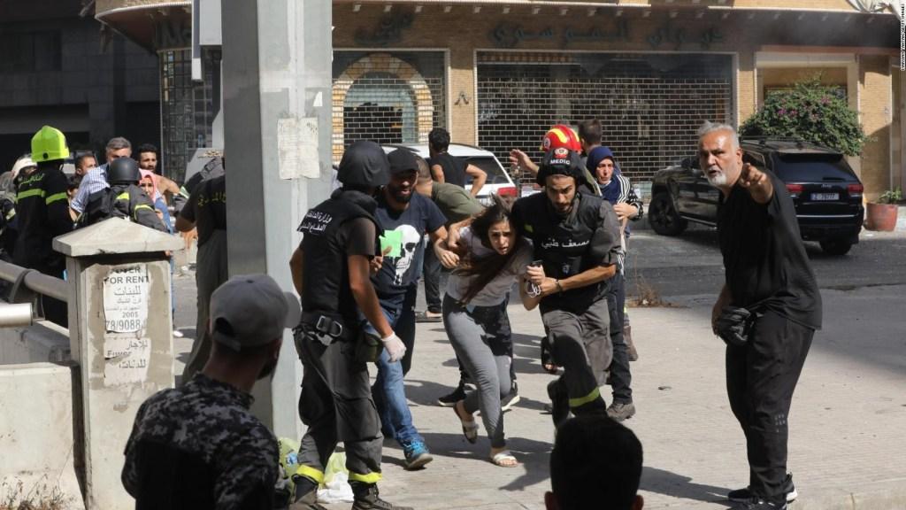 Personas huyen de manifestación en Beirut tras tiroteo
