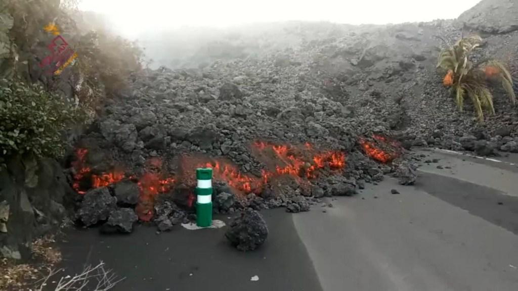 Así avanza la lava del volcán sobre el barrio La Laguna