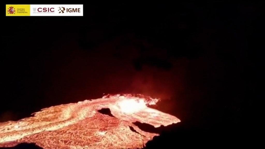 Indetenibles los ríos de lava del volcán Cumbre Vieja