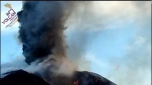 Mira el imponente penacho volcánico del Cumbre Vieja