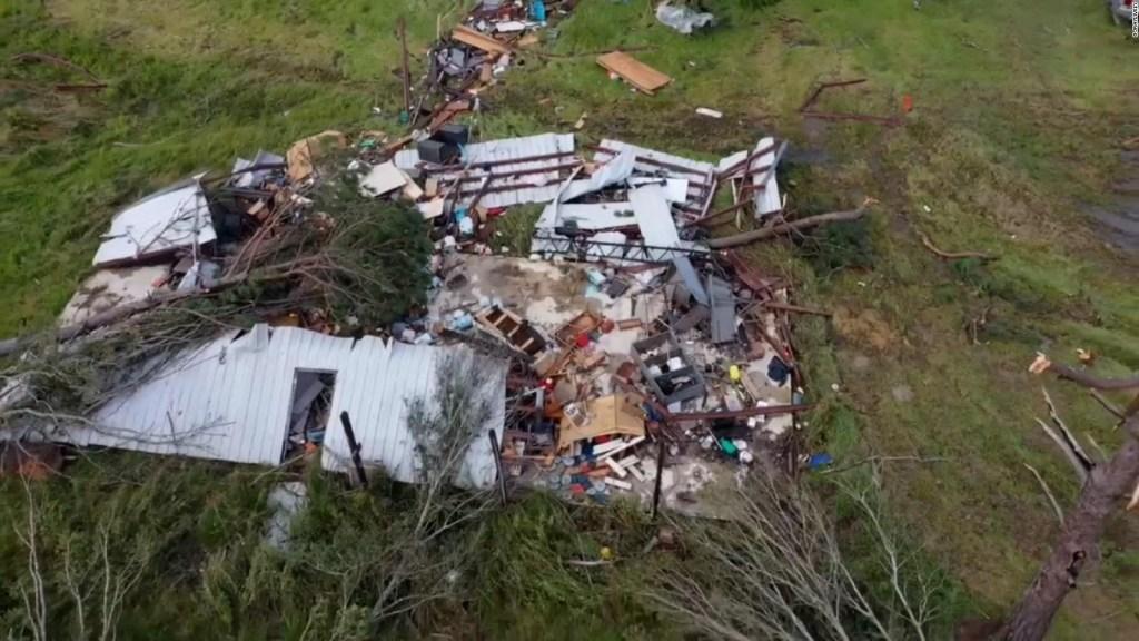 Fuerte tornado causa daños en Louisiana