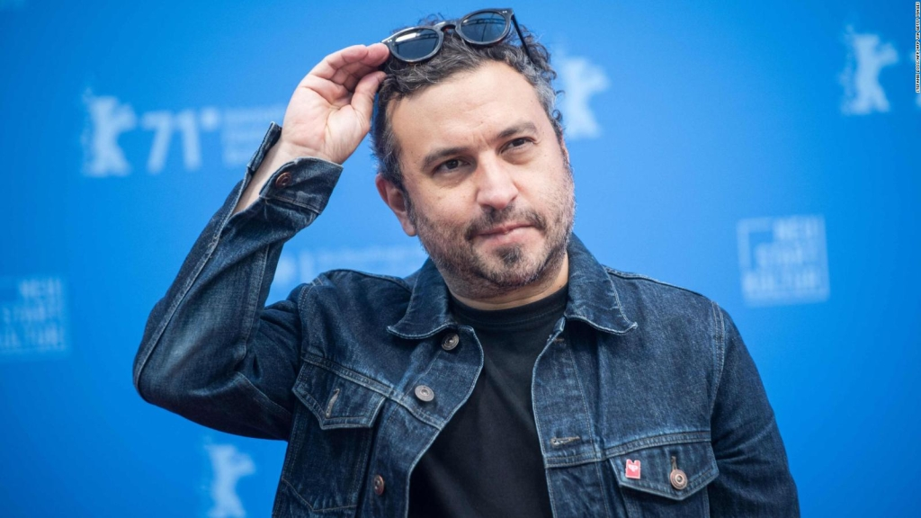 Director mexicano ofrece alternativa al disparo de armas en películas